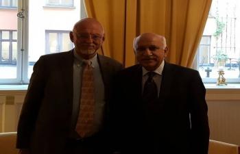 Minister of State for External Affairs Shri M. J. Akbar meets Mr. Hans Dahlgren, State Secretary to the Swedish Prime Minister on 13 Sep. 2017
