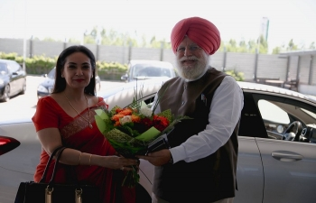 H.E. the Ambassador Monika Kapil Mohta welcomes the Indian parliamentary delegation led by Minister of State for Parliamentary Affairs and Agriculture and Farmers Welfare H.E. Mr. Surendrajeet Singh Ahluwalia on 29 May