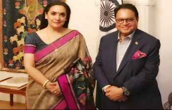 The chairman of the editorial board of Lokmat Media and former member of Rajya Sabha, Mr Vijay Darda called on the Ambassador of India to Sweden and Latvia, Mrs Monika Kapil Mohta on Monday at India House in Stockholm.